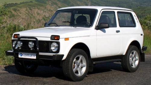 Випускник шполянського ліцею купив автомобіль для бійців на сході