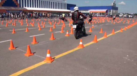 Півсотні мотоциклістів з усієї України взяли участь у черкаському