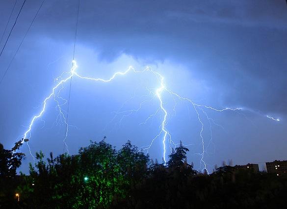 Негода не стихає: на Черкащині оголосили штормове попередження