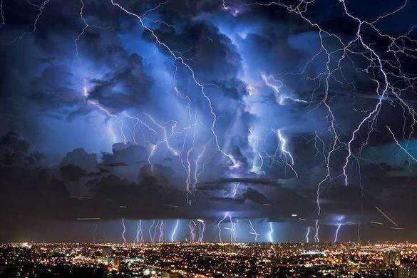 Чекайте на дощі та грози: у Черкасах та області оголосили штормове попередження