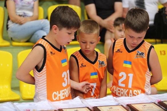 На базі черкаської школи з'являться два баскетбольних класи