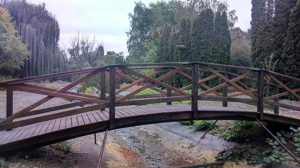 В одному з черкаських парків оновили містки (ФОТО)