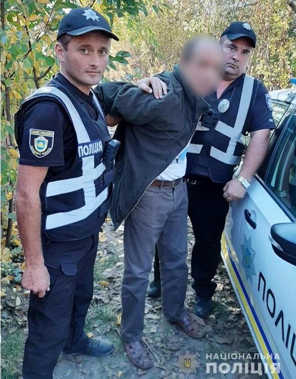 На Черкащині чоловік напідпитку ледь не зарізав односельців