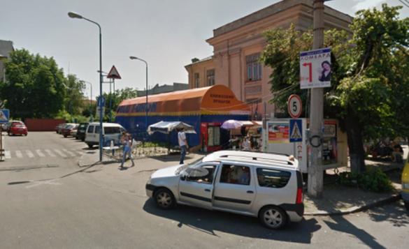 Сквер замість МАФу: у Черкасах у центрі міста облаштують зону сімейного дозвілля