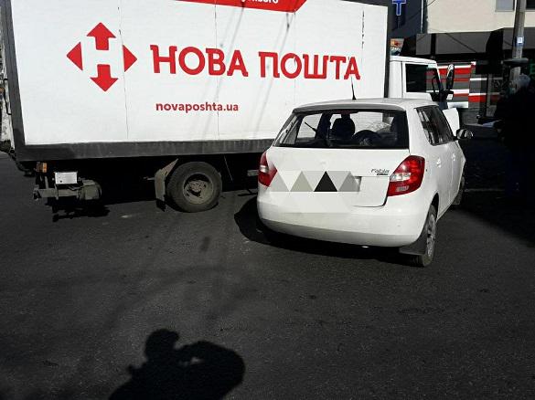 У Черкасах зіштовхнулася вантажівка та легковий автомобіль (ФОТО)