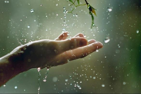 Завтра на Черкащині очікуються швидкоплинні невеликі дощі і посилений вітер