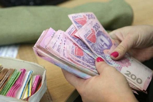 До кінця місяця черкаські пенсіонери мають отримати 1000 гривень надбавки