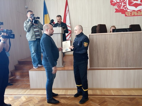 У Черкасах нагородили рятувальників за гасіння пожеж у Чорнобильській зоні