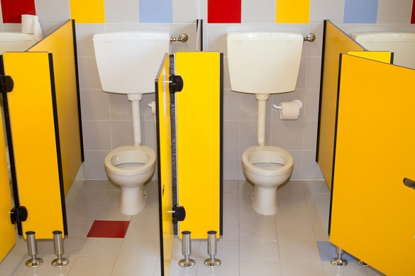 Черкасці просять облаштувати індивідуальні кабінки в шкільних туалетах