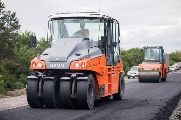 Одну з найгірших доріг в Україні, яка пролягає Черкащиною, відремонтують цього року