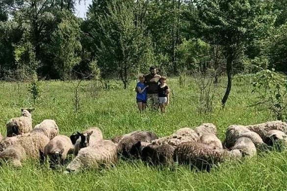 Колишній військовий зайнявся фермерством на Черкащині (ФОТО)