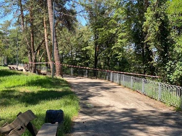 У черкаському парку знайшли повішеним хлопця (ФОТО)