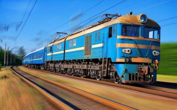 Вантажівку на Черкащині ледь не переїхав потяг