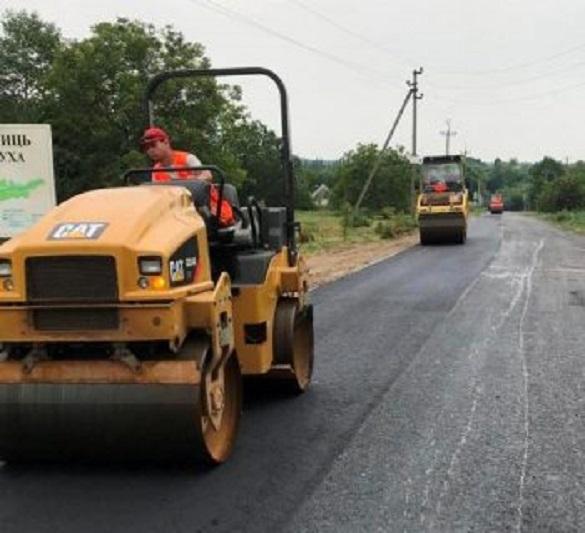На Черкащині ремонтують ще одну автодорогу
