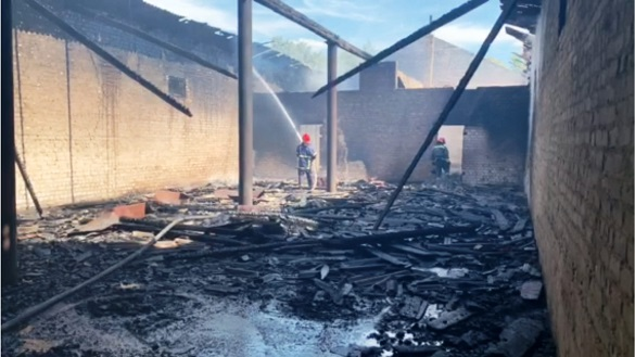 На Черкащині загорілося складське приміщення (ФОТО)