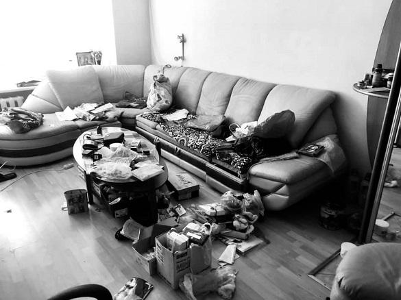 Викрали бойові нагороди: квартиру батьків заступника директора САД пограбували