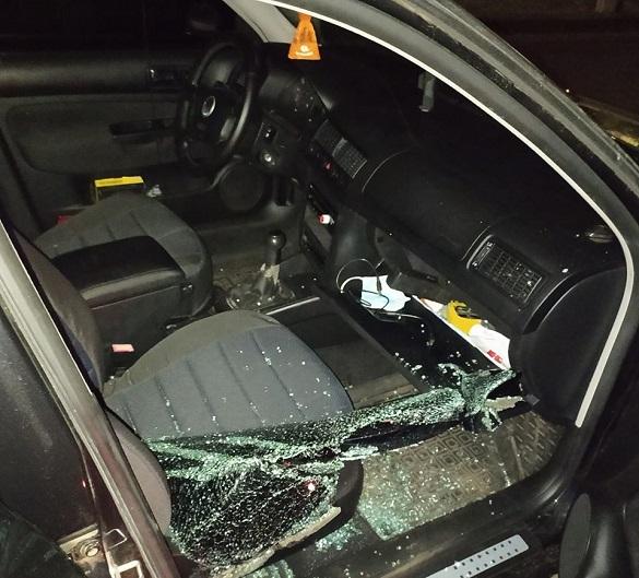 Вночі у Черкасах пограбували автівку (ФОТО)