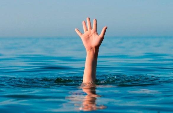 Перекинувся та почав тонути: в Черкасах врятували підлітка
