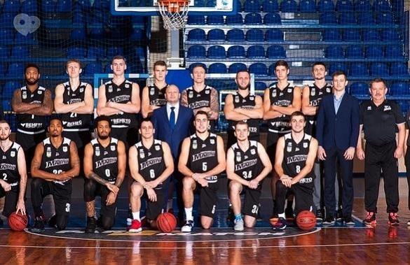Черкаські баскетболісти отримали нагороди